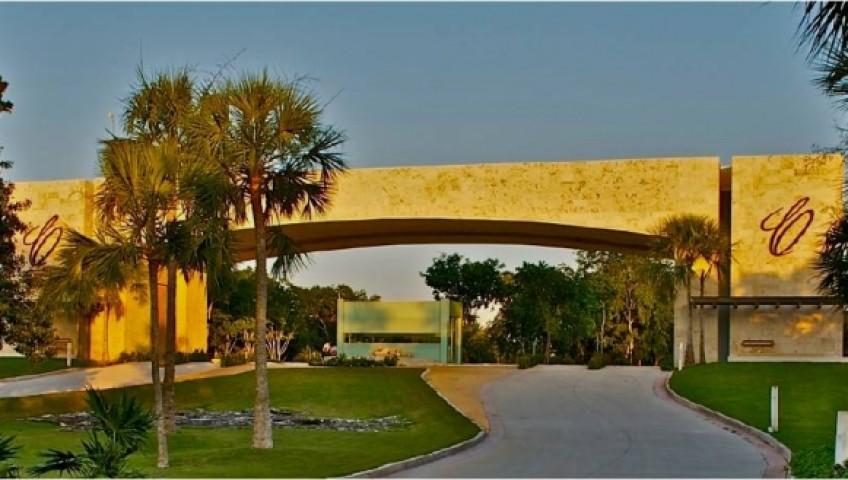 Cancun Country Club Residencial & Golf